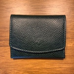 NEW AUTHENTIC LOUIS VUITTON Taiga Cuff Link Case